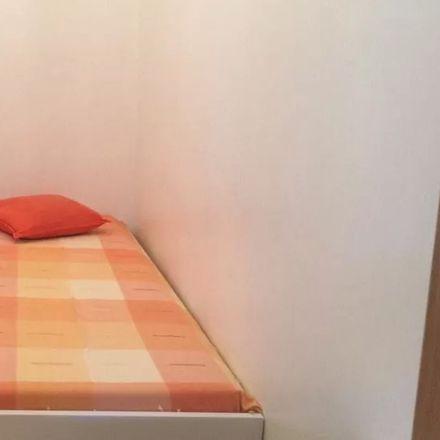 Rent this 3 bed room on Igreja Paroquial da Penha da França in Largo da Penha de França, 1170-317 Lisbon