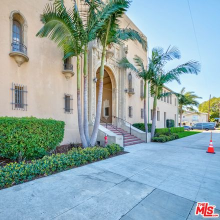 Rent this 2 bed loft on 1100 East 3rd Street in Long Beach, CA 90802