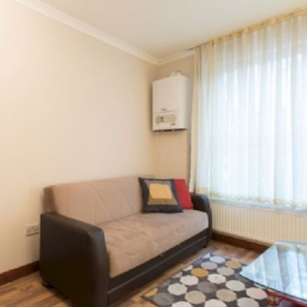 Rent this 1 bed apartment on Thai Thai in Old Street, London EC1V 9BB