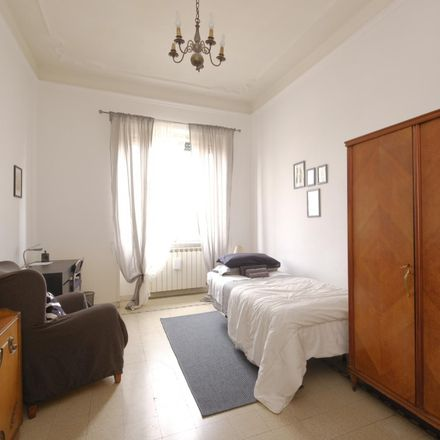 Rent this 4 bed room on ristorante giapponese sushime in Via Catania, 22