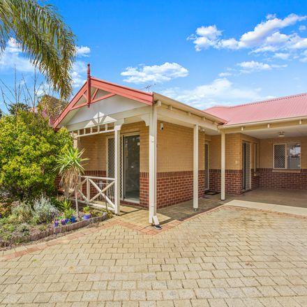 Rent this 3 bed townhouse on 6/78 Clydesdale Street