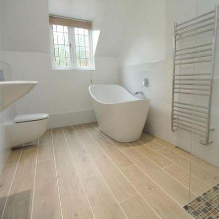 Rent this 5 bed house on Elmbridge KT13 0HB