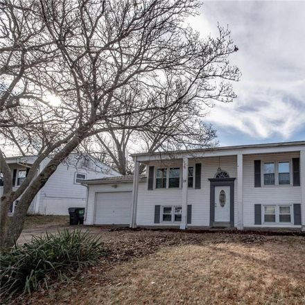 Rent this 3 bed house on Jamaica Dr in Saint Peters, MO
