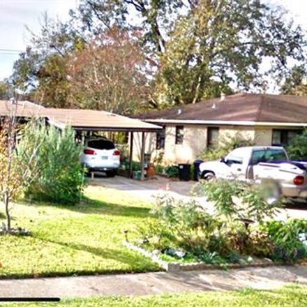 Rent this 3 bed house on 2506 Waverly Drive in Bossier City, LA 71111