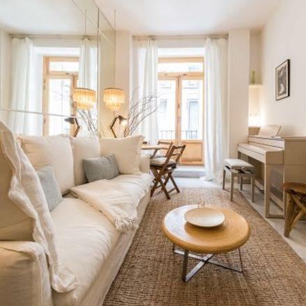 Rent this 1 bed apartment on Calle de Calderón de la Barca in 6, 28013 Madrid