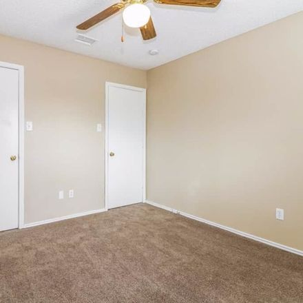Rent this 3 bed condo on 1333 Greenbriar Ln in Lancaster, TX 75146