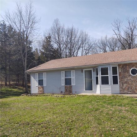 Rent this 3 bed house on Lynnwood Ct in Cedar Hill, MO