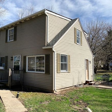 Rent this 2 bed house on 309 East Waupansie Street in Dwight, IL 60420