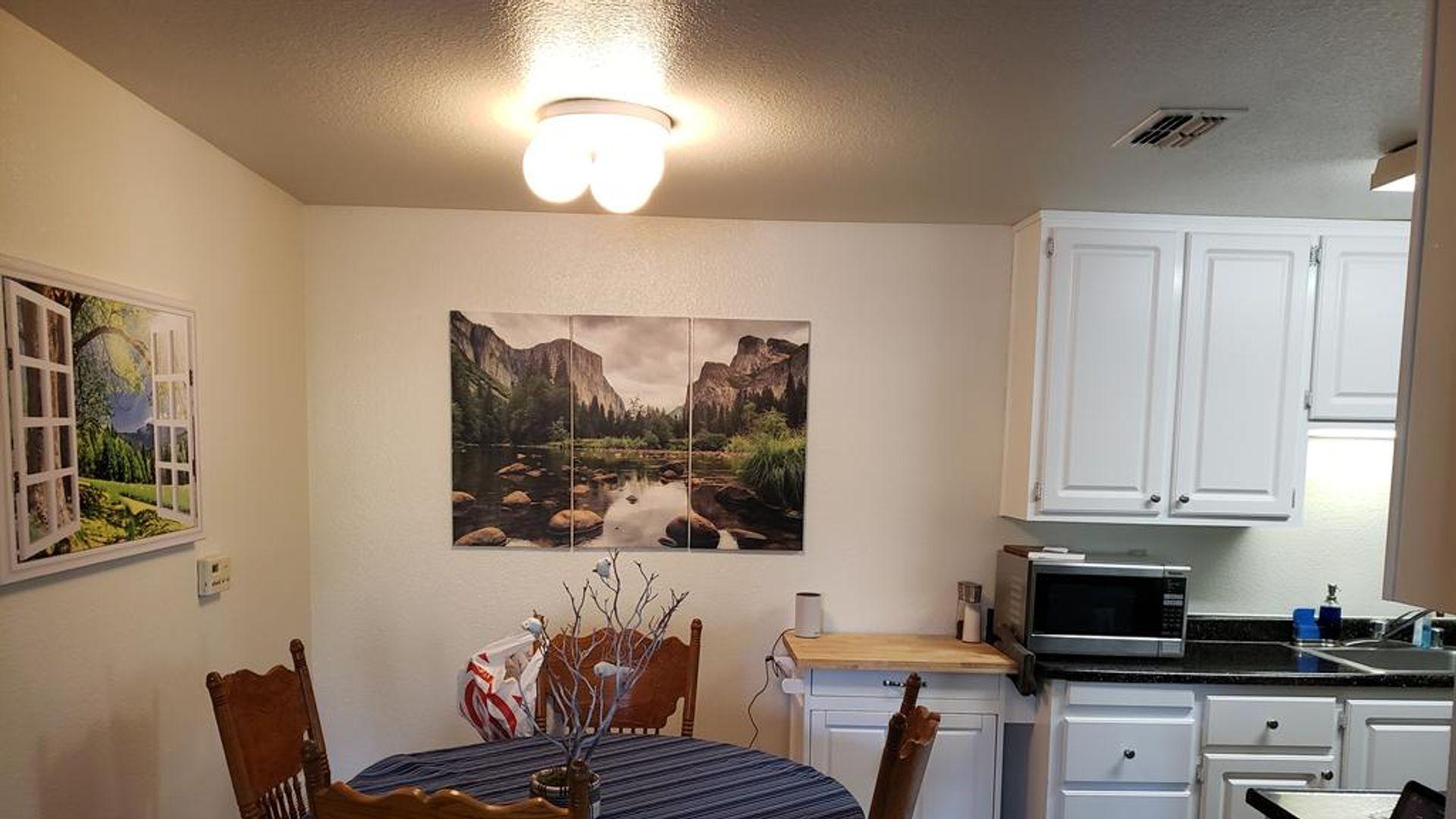 Room in 1-bed apt at 10402 Folsom Boulevard, Rancho ...