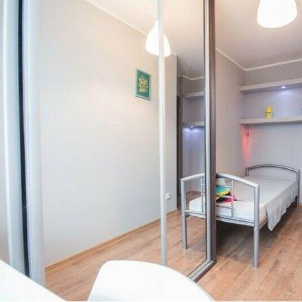 Rent this 5 bed room on Głogowska 35 in 52-443 Wrocław, Polska