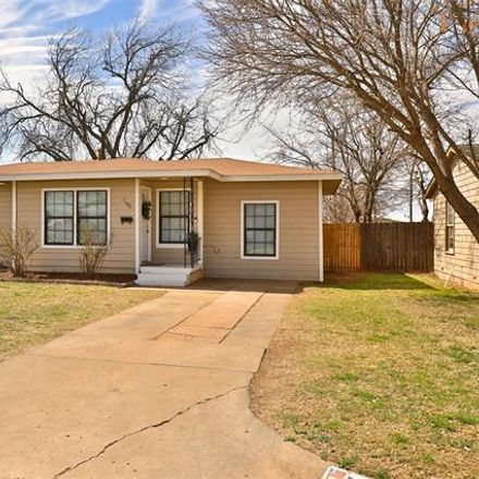 Rent this 3 bed house on 1102 South Crockett Drive in Abilene, TX 79605