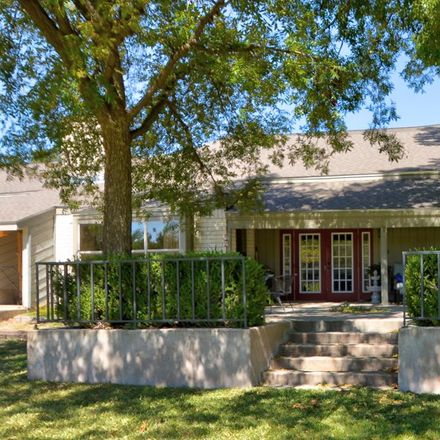 Rent this 3 bed house on Sand Bend Dr in Kerrville, TX