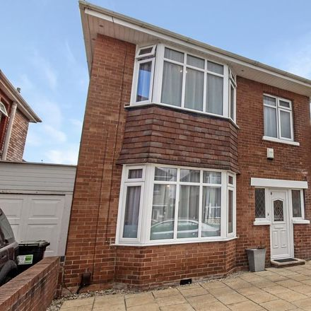 Rent this 4 bed house on Draycott Road in Talbot Village, BH10 5AP