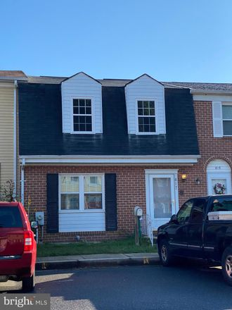 Rent this 3 bed condo on 817 Thimbleberry Road in Middle River, MD 21220