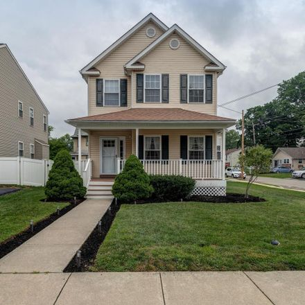 Rent this 3 bed house on 200 Sycamore Avenue in Folsom, PA 19033