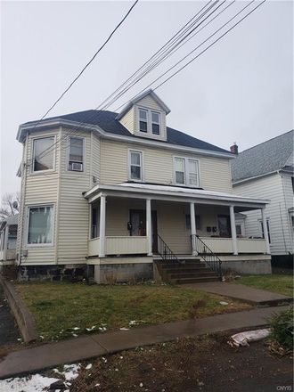 Rent this 1 bed apartment on 121 Ashdale Avenue in Syracuse, NY 13206