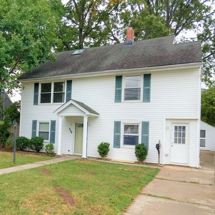 Rent this 3 bed house on Penn Ave in Edison, NJ