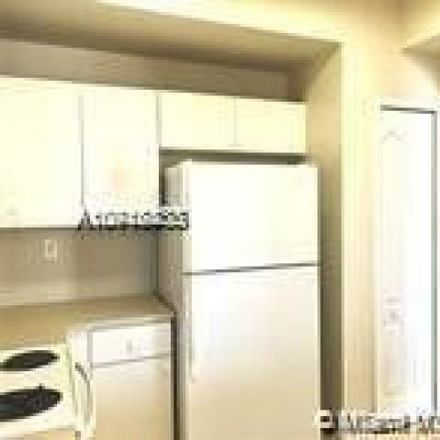 Rent this 3 bed condo on Fountainbleau