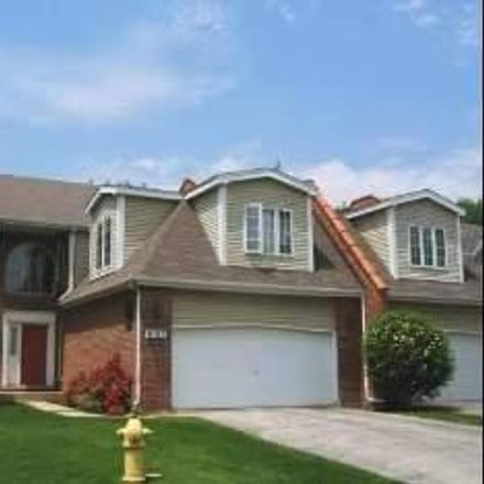 Rent this 3 bed townhouse on Florence Way in Glenview, IL
