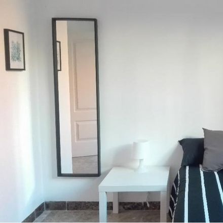 Rent this 8 bed apartment on Parquímetro in Calle de Emilio Carrere, 28001 Madrid
