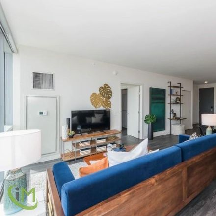 Rent this 3 bed apartment on 811 West Agatite Avenue in Chicago, IL 60640