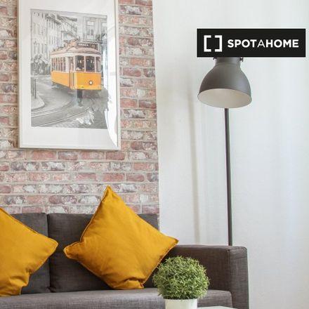 Rent this 1 bed apartment on Jehovah's Witnesses in Cascais Rivieira, Avenida das Comunidades Europeias