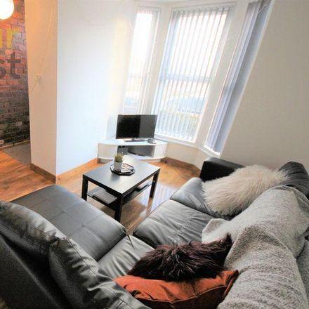 Rent this 6 bed room on Back Ashville Avenue in Leeds LS6 1LT, United Kingdom