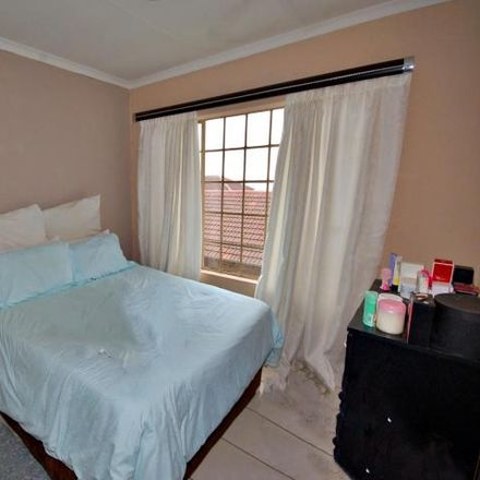 Rent this 2 bed apartment on Cashbuild in Malibongwe Drive, Johannesburg Ward 114