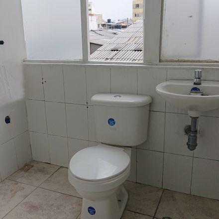 Rent this 4 bed apartment on Colchones Yarima in Avenida Calle 161, Localidad Usaquén