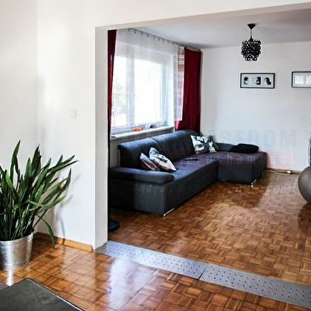Rent this 6 bed house on Jana Cybisa 66 in 45-533 Opole, Poland