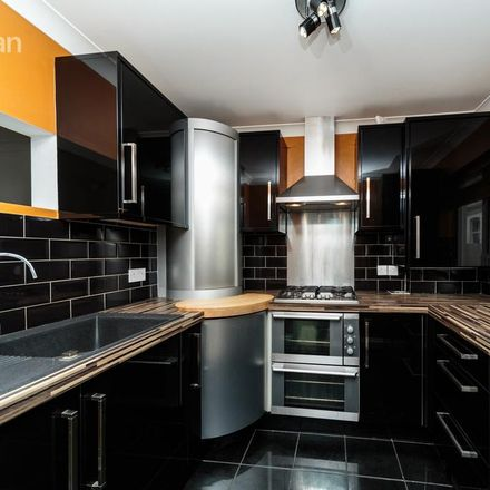 Rent this 3 bed house on Post Office Depot in Oxford Mews, Hove BN3 3NF