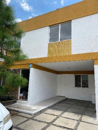 Rent this 1 bed room on Calle Atmósfera 2807 in Jardines del Bosque, 44520 Guadalajara