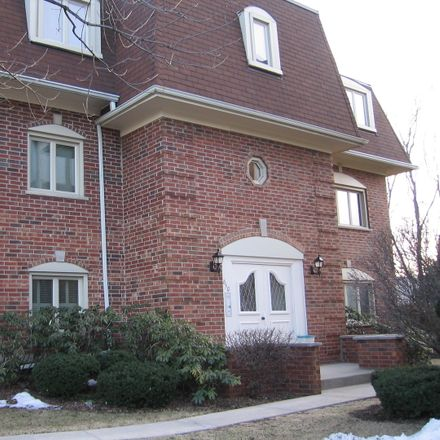 Rent this 2 bed condo on 650 Ballantrae Drive in Northbrook, IL 60062