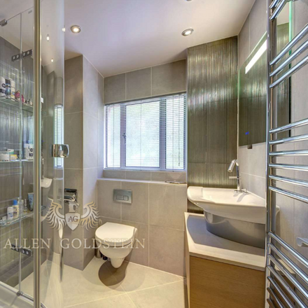 Rent this 2 bed apartment on Japanese Canteen in University Street, London WC1E 6JL