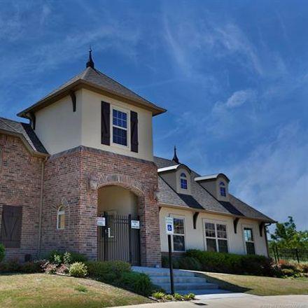 Rent this 3 bed house on W Roanoke Pl in Broken Arrow, OK