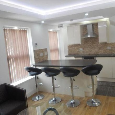 Rent this 3 bed apartment on Saint Peter's Street in Cardiff CF, United Kingdom