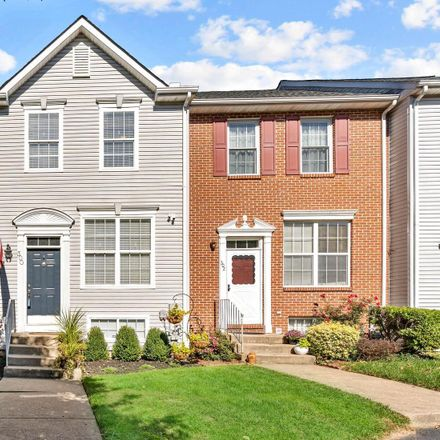 Rent this 3 bed townhouse on Victoria Blvd in Newark, DE