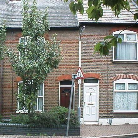 Rent this 3 bed house on The Hibbert in 35 Hibbert Street, Luton LU1 3UU