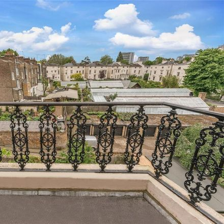 Rent this 3 bed apartment on 19 Warwick Avenue in London W9 1AB, United Kingdom