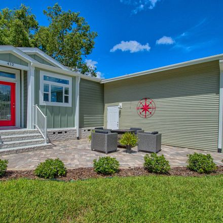 Rent this 3 bed apartment on Myrtle Ln in Lady Lake, FL