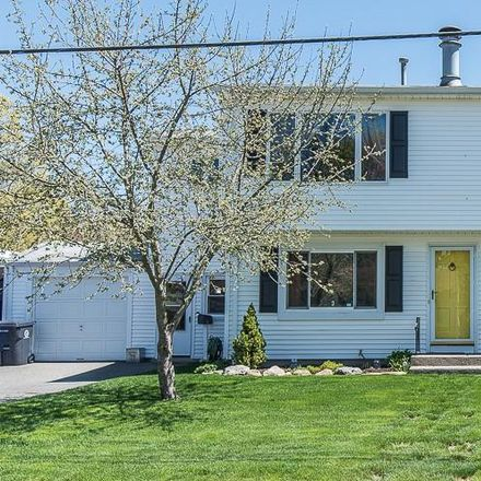 Rent this 4 bed house on 31 Primrose Drive in East Providence, RI 02915
