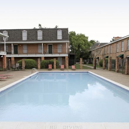 Rent this 4 bed apartment on 5129 Highland Road in Baton Rouge, LA 70808