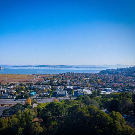 Rent this 2 bed condo on Laurel Drive in Corte Madera, CA 94925