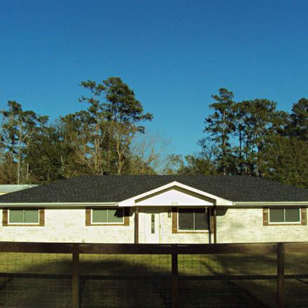 Rent this 3 bed house on 210 Freeway Drive in Vidor, TX 77662