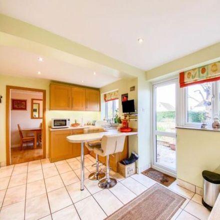Rent this 4 bed house on Poplar Walk in Hale GU9 0QL, United Kingdom