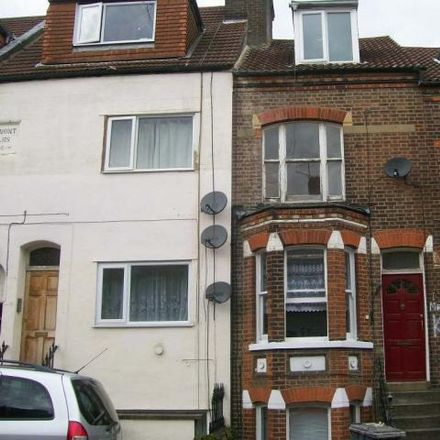Rent this 3 bed apartment on Buxton Road in Luton LU1 1RE, United Kingdom