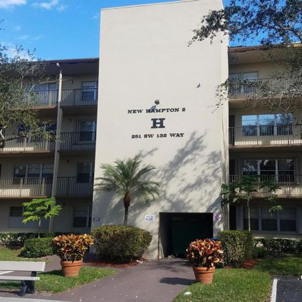Rent this 1 bed condo on 13500 Southwest 1st Street in Pembroke Pines, FL 33027