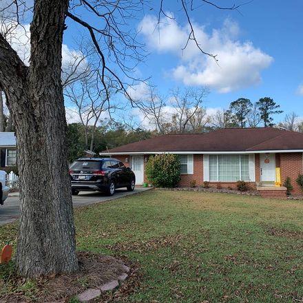 Rent this 3 bed house on 57 Pine Street in Hazlehurst, GA 31539