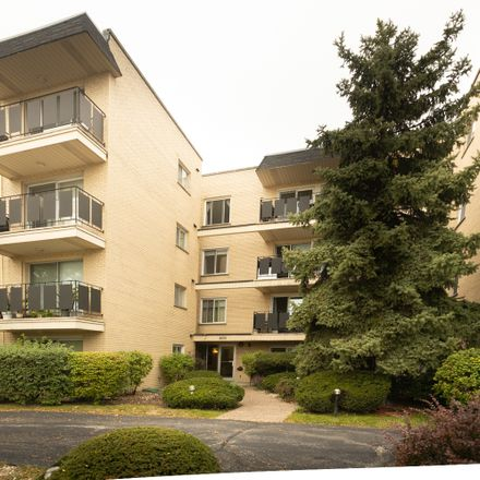 Rent this 2 bed condo on Elmwood St in Skokie, IL