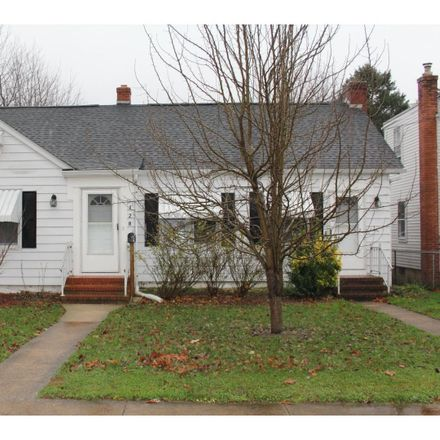 Rent this 3 bed house on 128 Pine Street in Dover, DE 19901